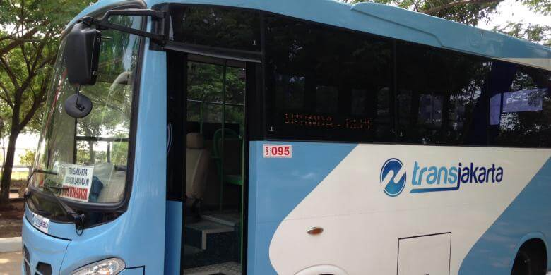 kendaraan umum transjakarta