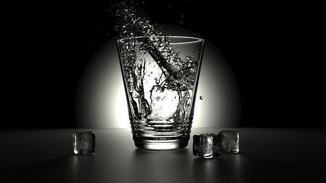 gelas kosong